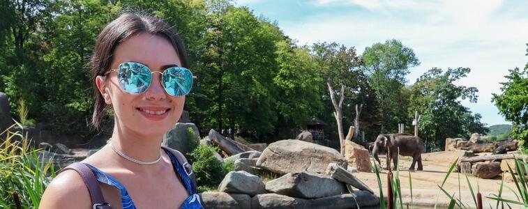 студентка в Пражском Зоопарке eurostudy